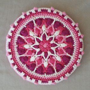 Mint Coffee Mandala Pot holder fra: LillaBjörn Crochet
