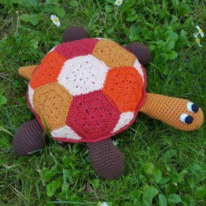 Hæklet skildpadde i 100% bomuld